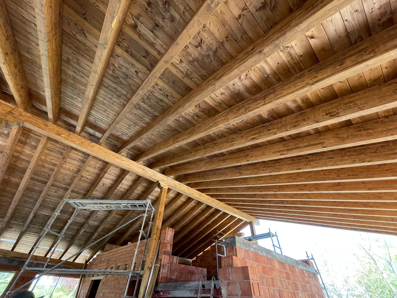 cubierta madera vigas cabios grande